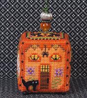 JN283 Witchy Pumpkin Cottage